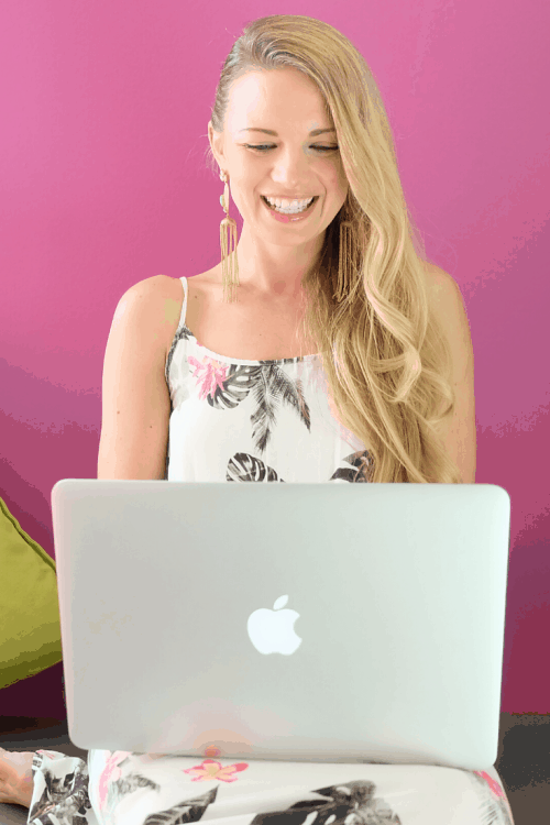 How to Start Freelance Writing as a Stay at Home Mom (and Make Your First $100)